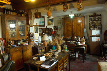 Casa museo a greco di vincolise for Piani di casa del revival greco